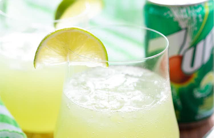 Spicy Cucumber & 7UP Vodka Spritzer